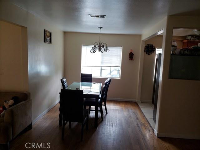 9656 Sandusky Avenue, Arleta CA: http://media.crmls.org/mediascn/21707211-2ad5-4e0e-8c1d-d9c383cc6d80.jpg