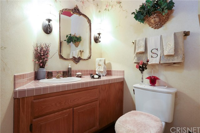11919 Silver Crest Street, Moorpark CA: http://media.crmls.org/mediascn/21836052-4dbe-4c47-8814-4a5dc1747cef.jpg