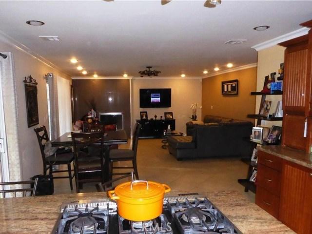 10701 Fullbright Avenue, Chatsworth CA: http://media.crmls.org/mediascn/21a626bc-8a25-42bc-9278-0657c644038c.jpg
