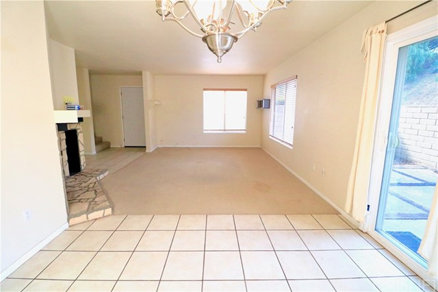 31319 The Old Road Unit D Castaic, CA 91384 - MLS #: SR18062908