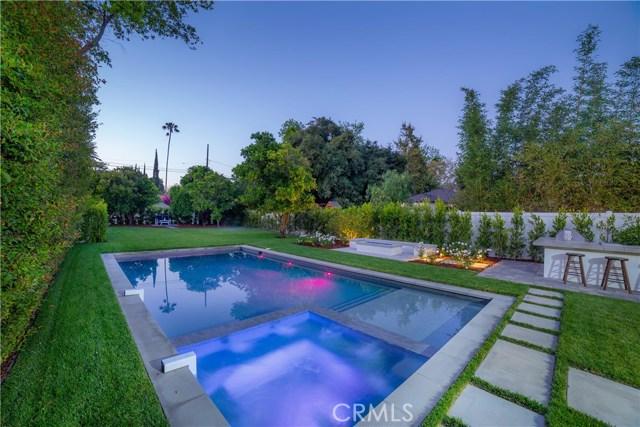 12415 Huston Street, Valley Village CA: http://media.crmls.org/mediascn/21dcdce7-b219-4e92-a5bc-d897c7e4dce4.jpg