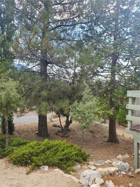 2056 Woodland Drive, Pine Mountain Club CA: http://media.crmls.org/mediascn/21e52fbf-4834-4b5e-b2d2-a84324911d34.jpg