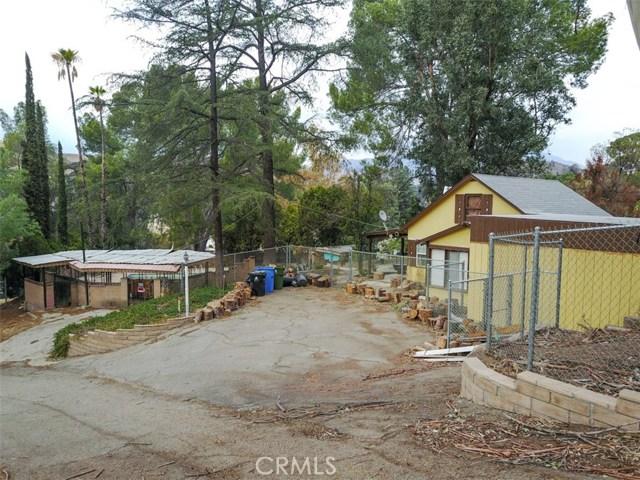 9836 Sunland Boulevard, Shadow Hills CA: http://media.crmls.org/mediascn/2268f379-33fe-4992-811b-4cbcbbfbbbd3.jpg