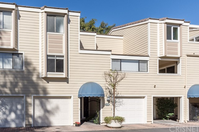 Townhouse for Sale at 1176 Westlake Boulevard Unit B 1176 S Westlake Boulevard Westlake Village, California 91361 United States
