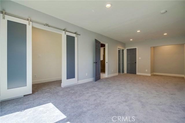 10426 Yolanda Avenue, Northridge CA: http://media.crmls.org/mediascn/23482817-c2a6-44d6-bfcc-edd900dec935.jpg