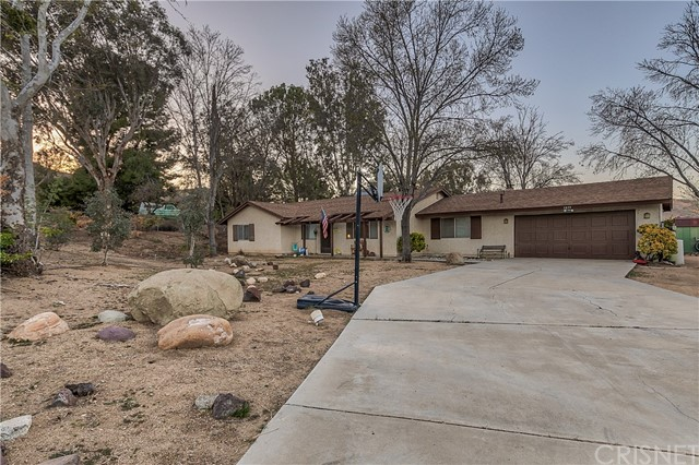 Detail Gallery Image 1 of 32 For 3855 Acton Ave, Acton,  CA 93510 - 4 Beds | 2 Baths