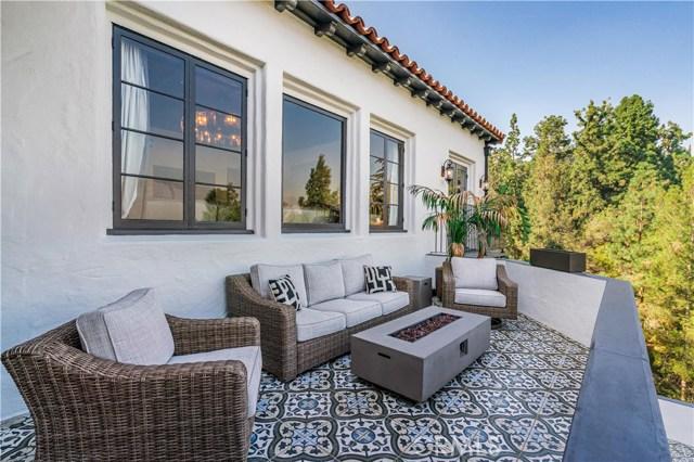 150 Fern Drive, Pasadena CA: http://media.crmls.org/mediascn/238baaca-d768-4f3a-819d-8c5f6efa343f.jpg