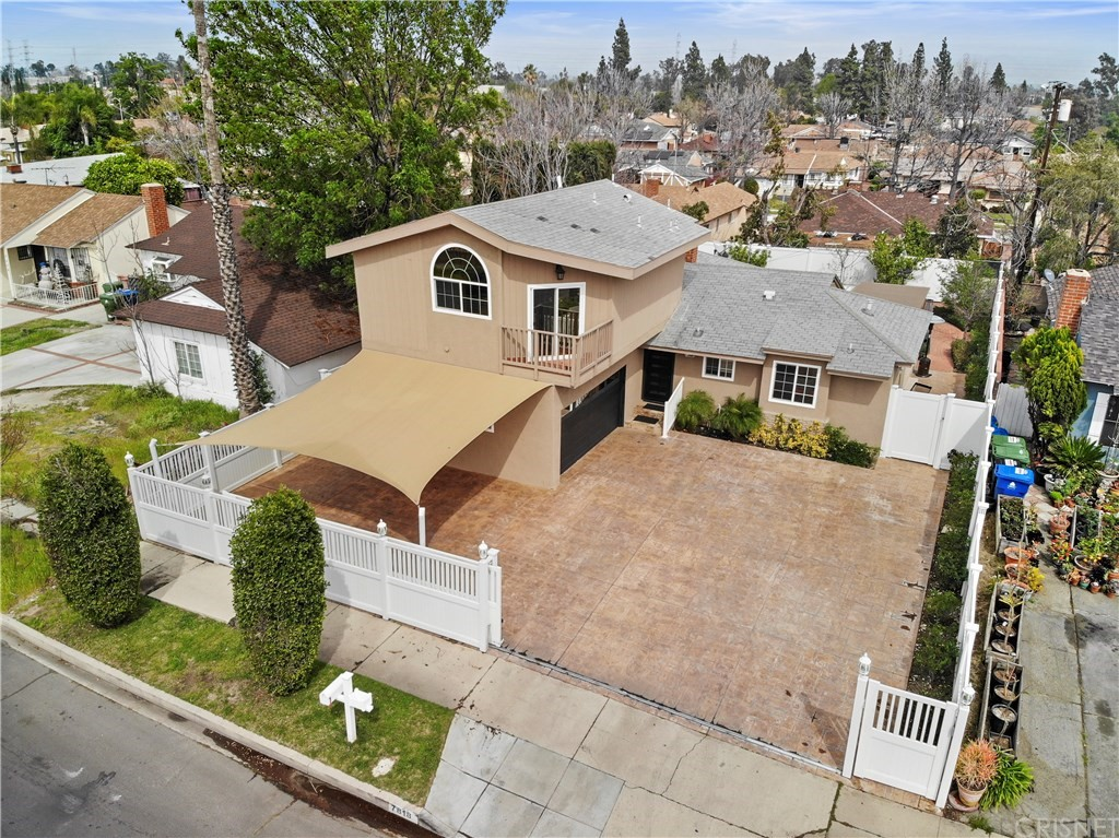 Photo of 7818 BELLAIRE AVENUE, North Hollywood, CA 91605