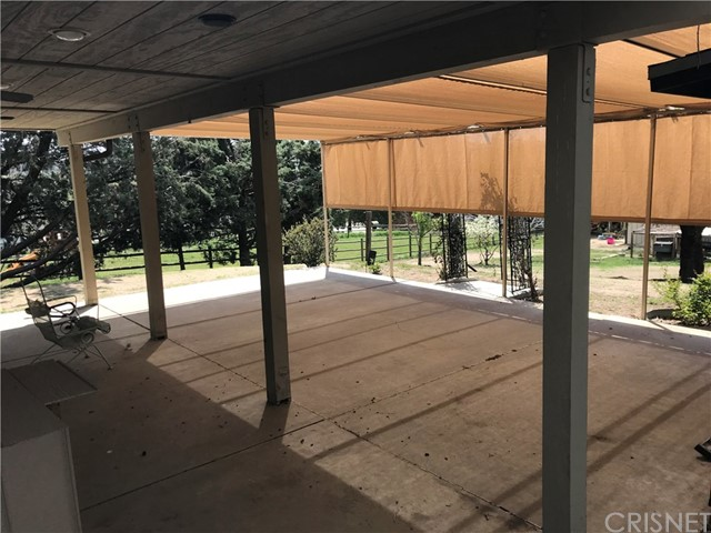 23821 Coyote Court, Bear Valley Springs CA: http://media.crmls.org/mediascn/23ec32a3-a2ea-459b-a775-440f8cf0cc8c.jpg