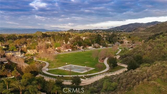 96 Mollison Drive, Simi Valley CA: http://media.crmls.org/mediascn/2407f6d1-d31d-4b3f-ac73-e4d557063db2.jpg