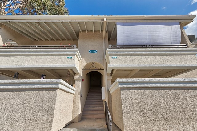 27236 Luther Drive Unit 704, Canyon Country CA 91351