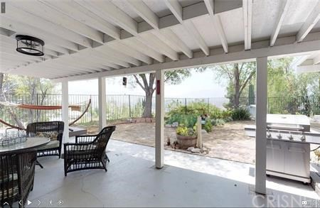 16922 Canvas Street, Canyon Country CA: http://media.crmls.org/mediascn/2410cfd9-05db-4941-8d01-88ce81314db5.jpg