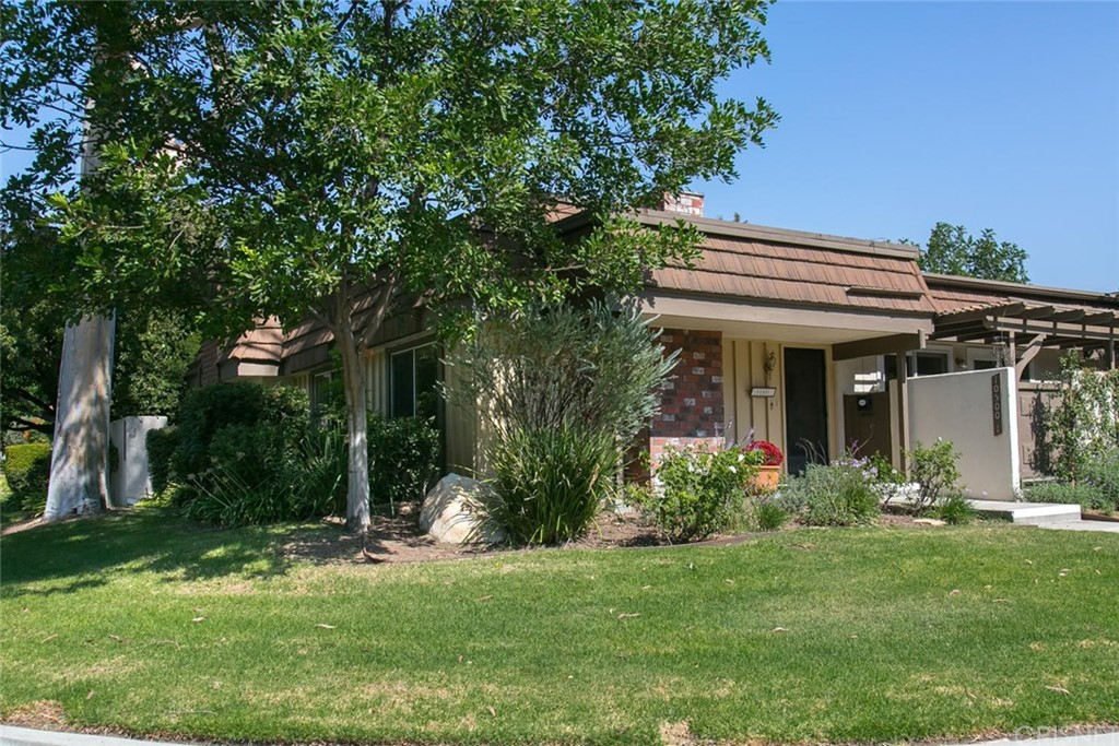 Property for sale at 10500 LARWIN AVENUE #1, Chatsworth,  CA 91311