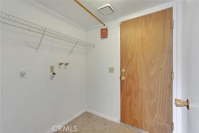 44222 Lively Avenue, Lancaster CA: http://media.crmls.org/mediascn/246d1716-979d-485d-996a-98927f53f8f2.jpg