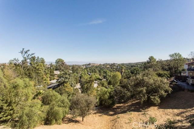 4964 Medina Road, Woodland Hills CA: http://media.crmls.org/mediascn/246ddd13-d262-4814-8da7-3c433ef24c3a.jpg