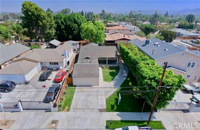 8660 Sharp Avenue, Sun Valley CA: http://media.crmls.org/mediascn/24d16e6e-9e00-4fc2-a3c3-f4271a0a3bff.jpg