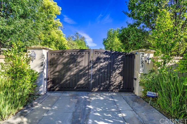 Photo of 26810 STONEGATE DRIVE, Valencia, CA 91381