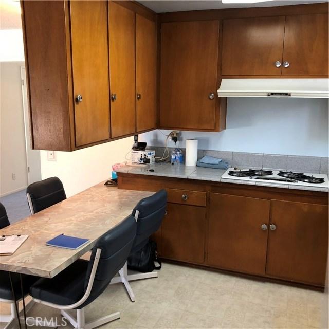 6622 Franrivers Avenue, West Hills CA: http://media.crmls.org/mediascn/251d89d4-872b-4161-83cb-384f00d78d86.jpg
