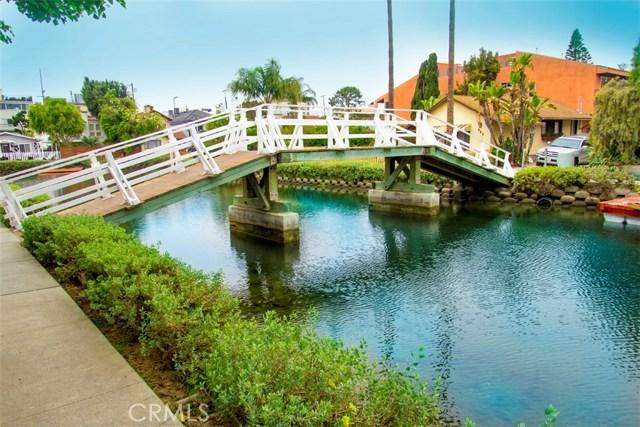 214 Sherman Canal, Venice CA: http://media.crmls.org/mediascn/253603b6-b091-49fc-83eb-abc68a412040.jpg