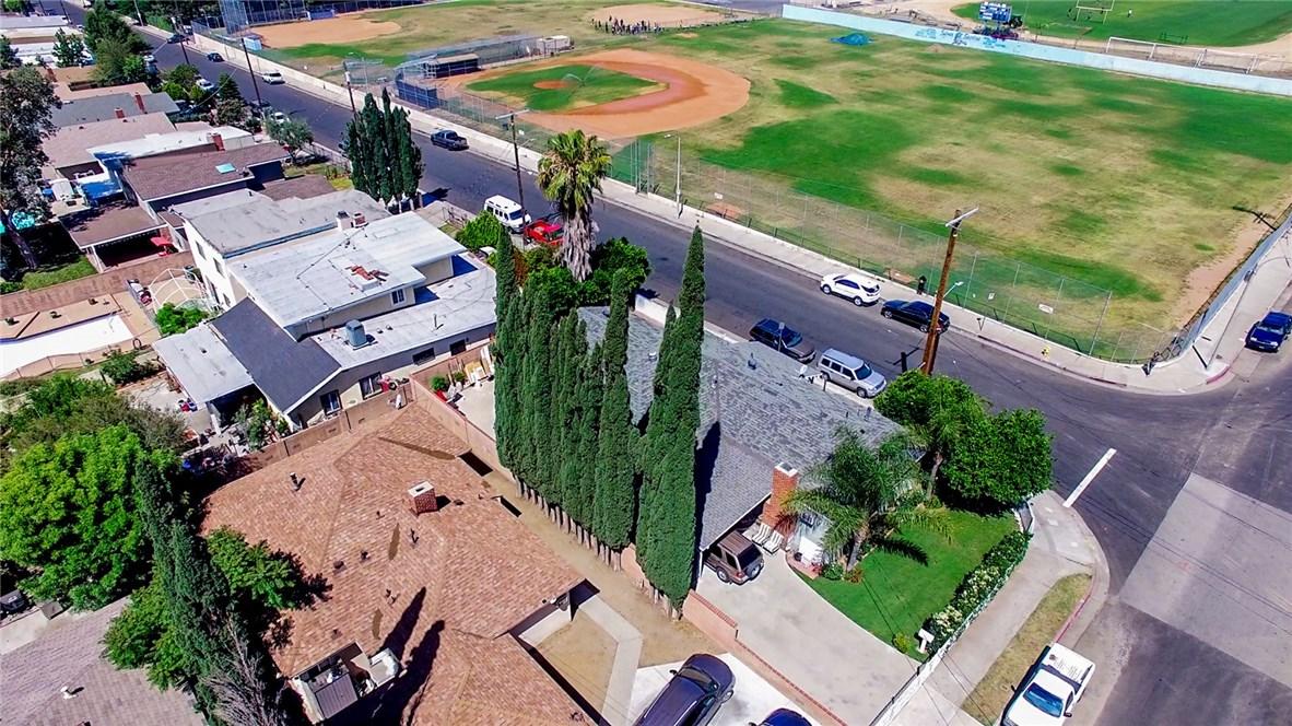 13059 Dronfield Avenue, Sylmar CA: http://media.crmls.org/mediascn/25813736-76da-4f30-a514-ef16057b942e.jpg