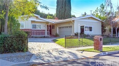 Photo of 23932 Oxnard Street, Woodland Hills, CA 91367