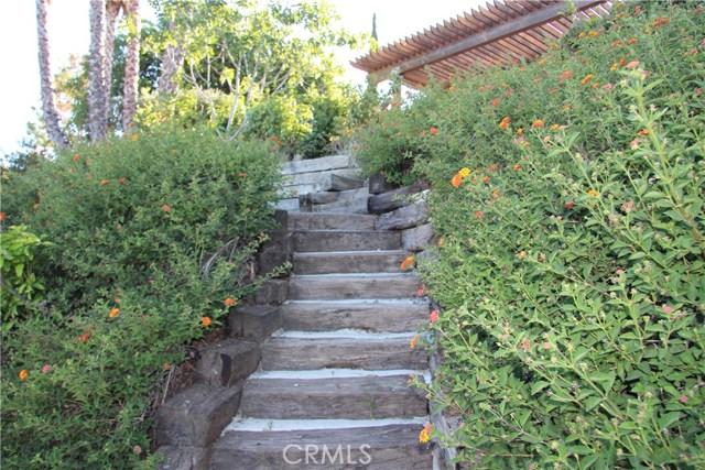 4486 Winnetka Avenue, Woodland Hills CA: http://media.crmls.org/mediascn/258b46fe-a536-4613-b1f6-06729d76b9df.jpg