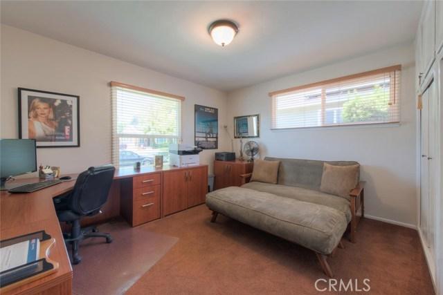 6044 Cartwright Avenue, North Hollywood CA: http://media.crmls.org/mediascn/25913272-69b3-4108-a60d-b4b7cd4eae59.jpg