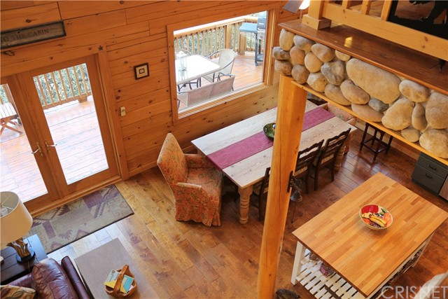 15817 Edgewood Way, Pine Mtn Club CA: http://media.crmls.org/mediascn/264d83b8-c8fb-46b3-9505-a5fbf1cdc006.jpg