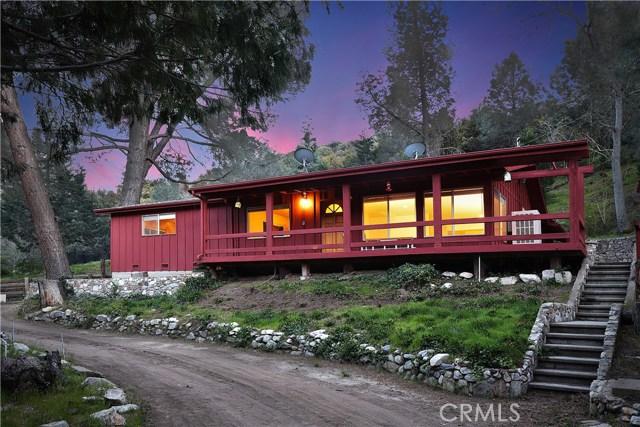 20872 Pine Canyon Road, Lake Hughes CA: http://media.crmls.org/mediascn/26501b1c-f5e2-4041-bd46-1b985be7d19a.jpg