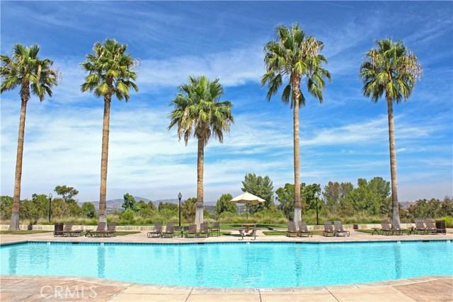 26900 Monterey Avenue, Valencia CA: http://media.crmls.org/mediascn/265ff71c-75a3-46da-8b96-0695bef3c506.jpg