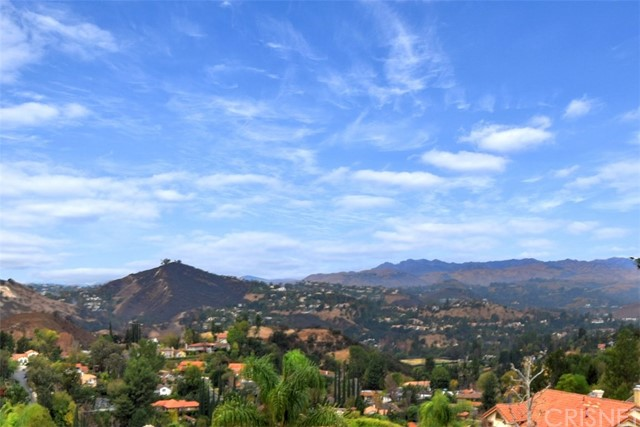 Additional photo for property listing at 3533  Lido Court 3533  Lido Court Calabasas, California 91302 United States