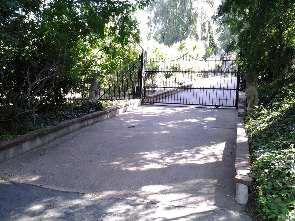 Photo of 3915 Alomar Drive, Sherman Oaks, CA 91423