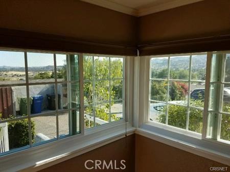 23327 IDA Place, Chatsworth CA: http://media.crmls.org/mediascn/26de4281-86ea-4da5-884e-dd330df17824.jpg