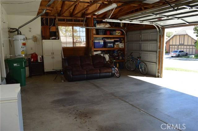 3139 Wellington Drive, Palmdale CA: http://media.crmls.org/mediascn/27194cb4-aeee-416a-8876-27c18bdcb20e.jpg