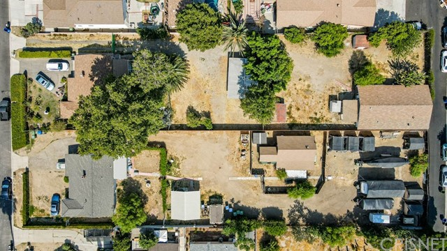 18320 Arminta Street, Reseda CA: http://media.crmls.org/mediascn/278caaa6-dec3-4d3a-8a09-5f8d5add6f6f.jpg