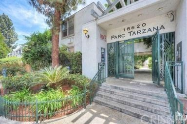 Photo of 18620 HATTERAS STREET #266, Tarzana, CA 91356
