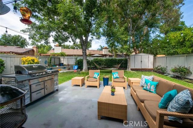 25925 Pueblo Drive, Valencia CA: http://media.crmls.org/mediascn/280896df-c47c-4a1d-8bed-e44f51d20e7f.jpg