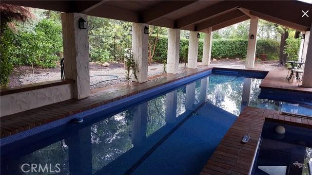 24655 Park Miramar, Calabasas CA: http://media.crmls.org/mediascn/2840ab86-dd28-4bf3-a3a0-441e8dbca30f.jpg