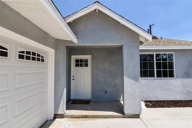 8060 Matilija Avenue, Panorama City CA: http://media.crmls.org/mediascn/285f4dde-edeb-45cd-8102-f9651f0240ba.jpg