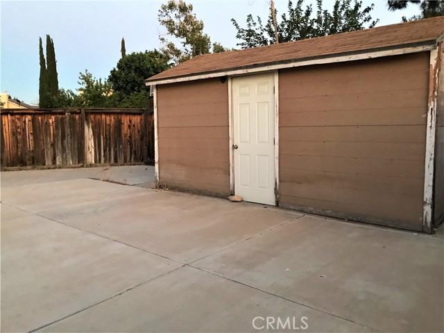37103 Bridgeport Court, Palmdale CA: http://media.crmls.org/mediascn/28a7d541-fc1c-4874-b1cb-01827dc0c541.jpg