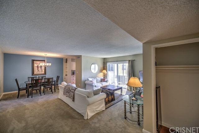 Additional photo for property listing at 6251 Coldwater Canyon Avenue Unit 215 6251  Coldwater Canyon Avenue Valley Glen, California 91606 United States