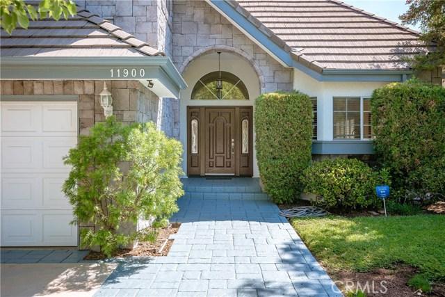 11900 Andasol Avenue, Granada Hills CA: http://media.crmls.org/mediascn/28de3803-306c-4943-b995-28a9529d6dd3.jpg