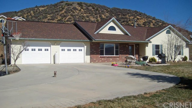 Single Family Home for Sale at 893 Chimney Canyon Road Lebec, California 93243 United States