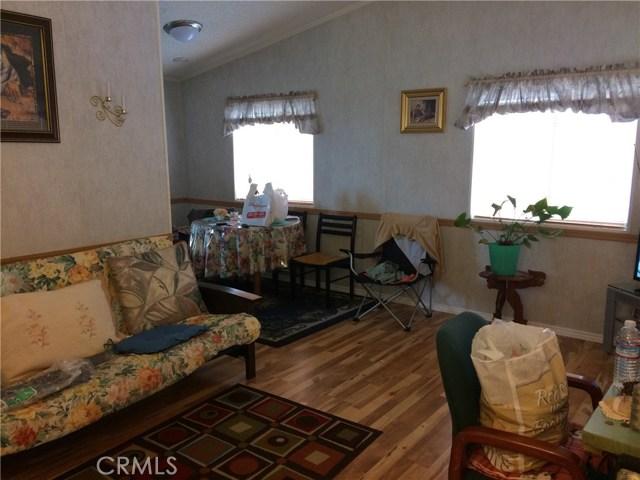 16949 S western S Avenue, Gardena CA: http://media.crmls.org/mediascn/28fec8cb-eadd-4212-8988-422a68a60497.jpg