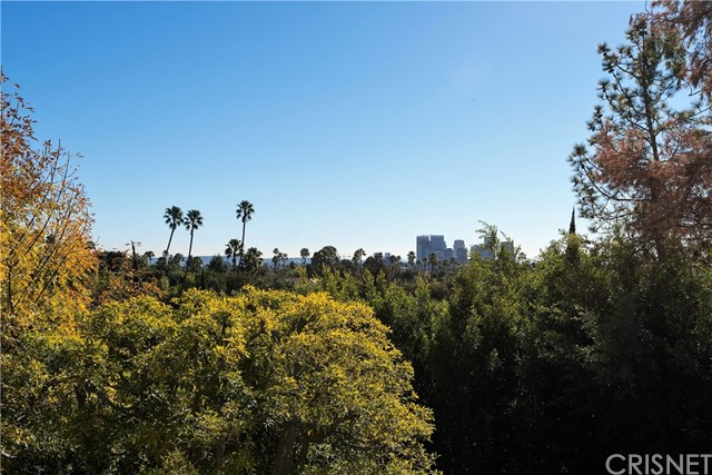 1024 Summit Drive Beverly Hills, CA 90210 - MLS #: SR17100565