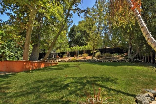 15531 Del Gado Drive, Sherman Oaks CA: http://media.crmls.org/mediascn/29e4a354-87f9-46f8-8af3-863e0916f195.jpg