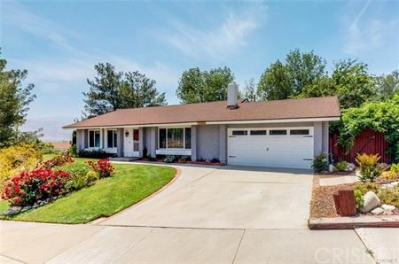 16922 Canvas Street, Canyon Country CA: http://media.crmls.org/mediascn/2a3e3430-3741-4a6b-924c-427024a3d267.jpg