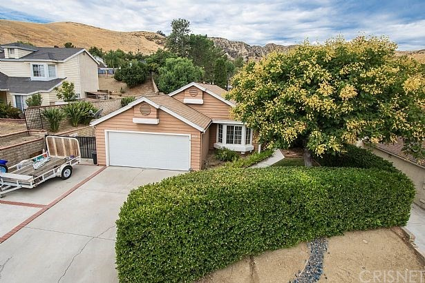 31915 GREEN HILL Drive, Castaic, CA 91384