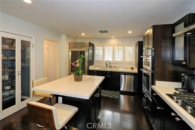 5808 GRAVES Avenue, Encino CA: http://media.crmls.org/mediascn/2aa92a1b-a9ed-4399-b380-37c1bf6a9e39.jpg