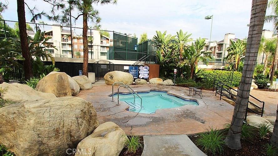 21500 BURBANK Boulevard, 305, Woodland Hills, CA 91367
